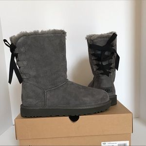 UGG Short Continuity Bow Boots